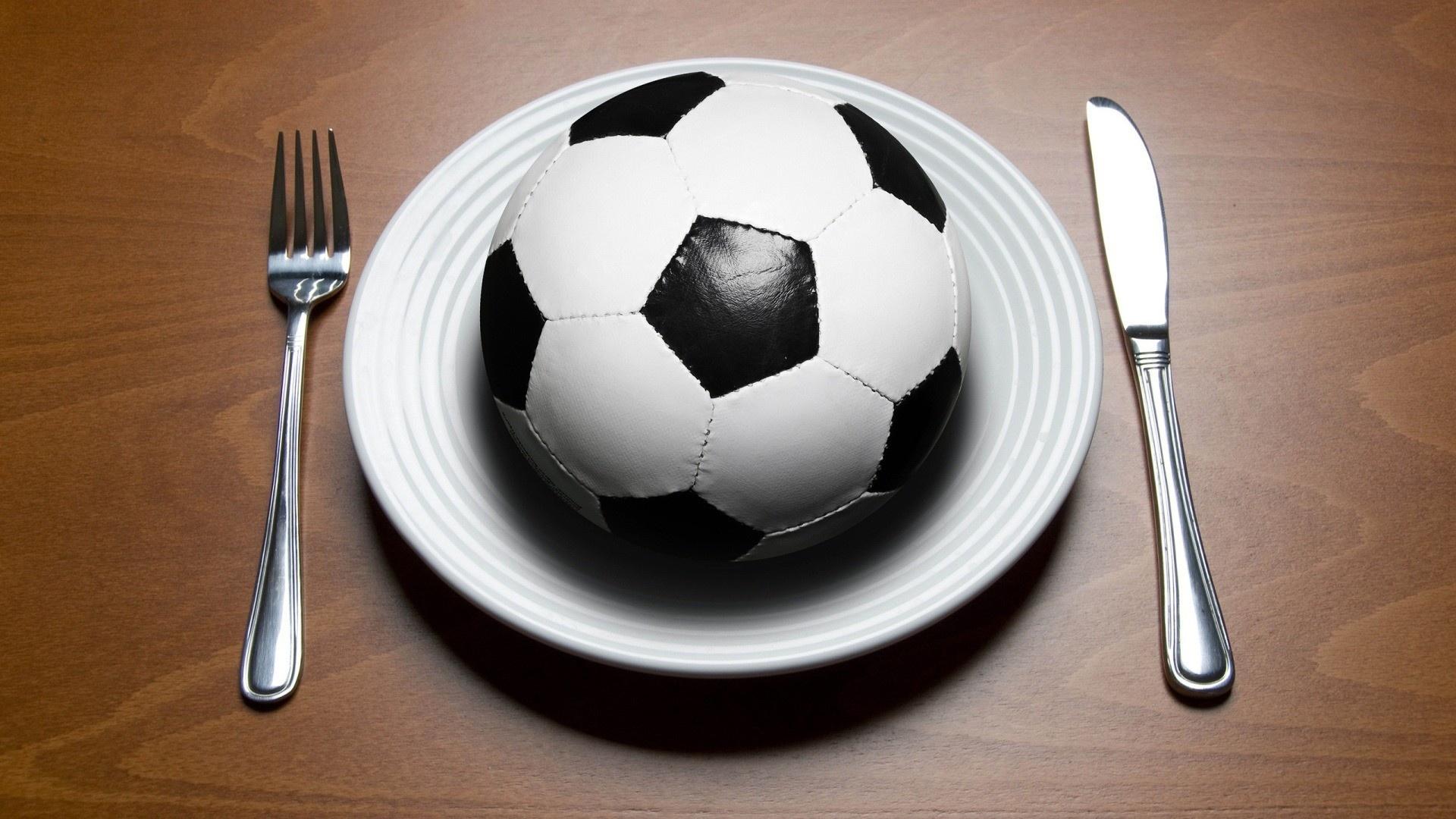 Основы правильного питания юного футболиста
